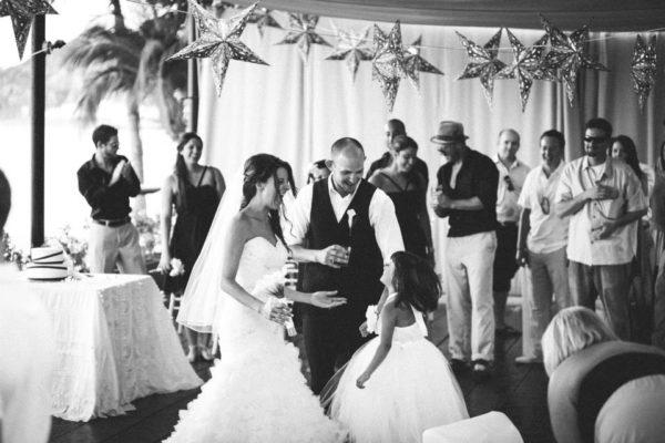 Lounge Black and White Wedding (19)