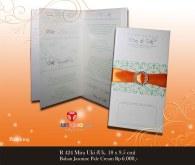 contoh undangan pernikahan Mira Uki