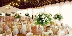 pengaturan meja tamu pernikahan