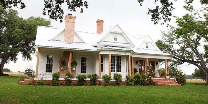 landscape-1449090209-landscape-1439220941-new-farmhouse-back