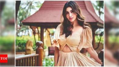 Mouni Roy: I am missing my mom and am dying to come back to India | Hindi Movie News