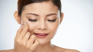 Apply Ice Cubes And Bid Adieu to All Your Beauty Worries