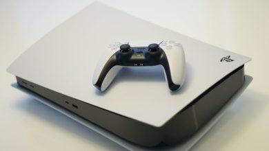 YouTuber श्रेडरमध्ये नवीन PS5 थ्रो करते. व्हिडिओ आपल्याला रागावू शकतो 'का?'