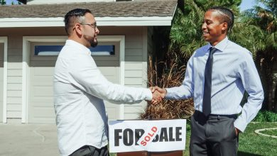 a-man-dealing-with-a-cash-home-buyer