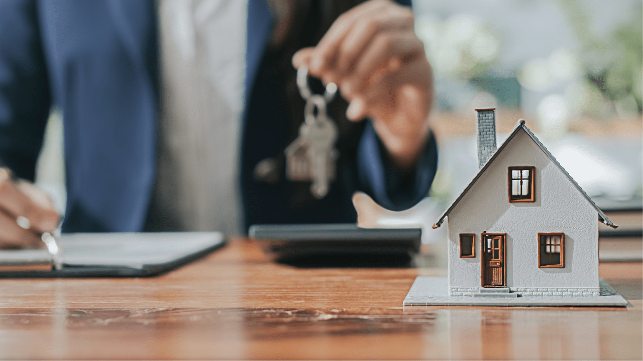 What basic equipment is needed for realtor business