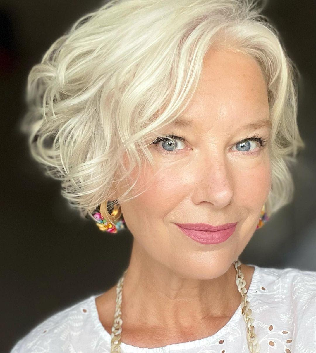 Short Haircuts For Women Over 60 To Turn Back The Clock