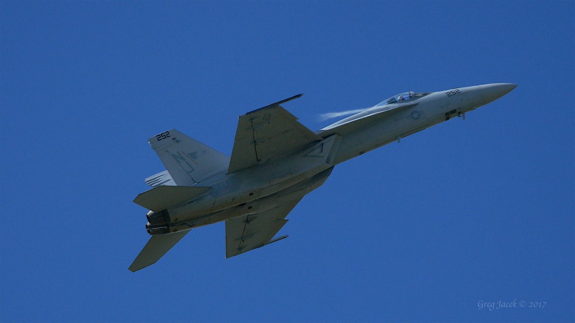 NEW Video Posted: F/A-18F Super Hornet 700 MPH High Speed Pass Fly By in 5.1 Surround Sound (4K)
