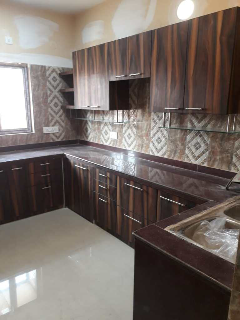 Wood grain finish kitchen in New Town