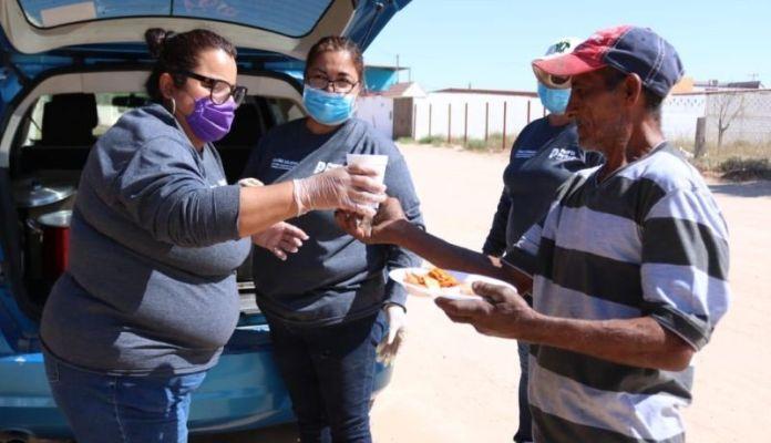 Apoya Peñasco con desayunos calientes a familias vulnerables