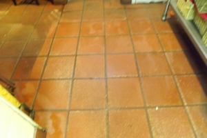 El Fenix Kitchen | Commercial Tile Cleaning | Grout cleaning