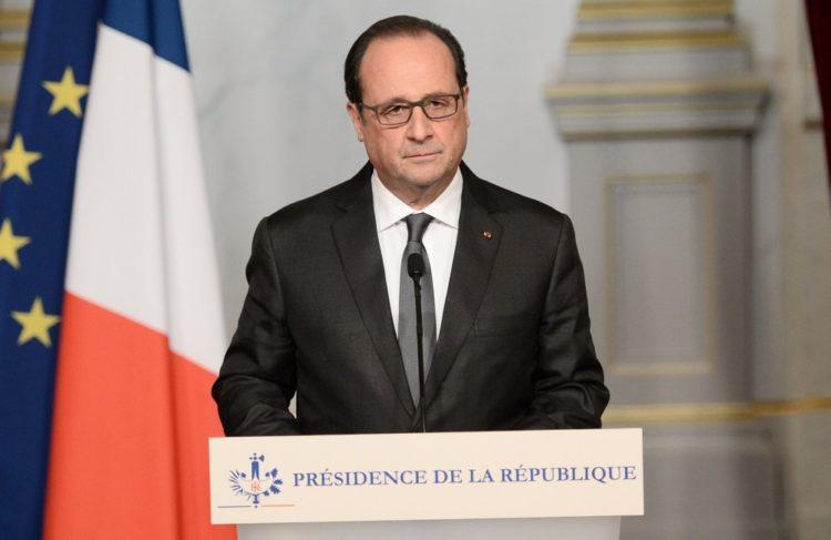 François Hollande comparece tras los atentados en París.