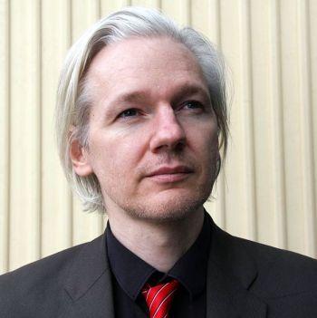 Julian Assange, una de las personas más reconocidas entre los firmantes del manifiesto de DiEM25 [Foto: Espen Moe vía WikimediaCommons].