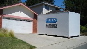 UNITS East Bay helping customers move Portable storage unit quickly before rain storm