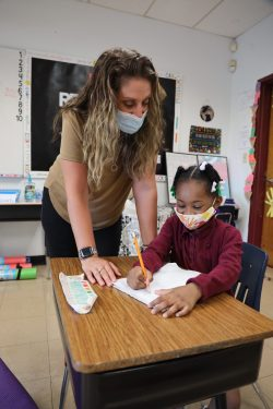 Picture of Jennifer Venable, Grade 1 teacher, with student