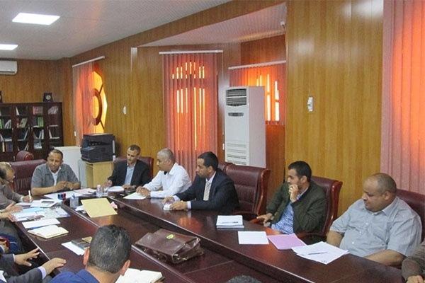اجتماع بيداغوجي مع الطاقم الإداري لكلية العلوم الاقتصادية والتجارية وعلوم التسيير