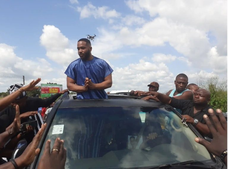 """IMG_20201009_161146_027-768x569-1 """"I no get cash on me now"""" – Billionaire son, Kiddwaya begs youths who blocked his car (Video)"""