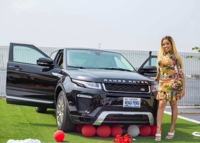 batch_Eq4O3MTXEAAW8MO-681x487-1 Nengi pens appreciation note to fans for buying her a Range Rover