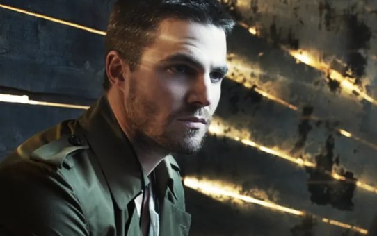 stephen amell foto