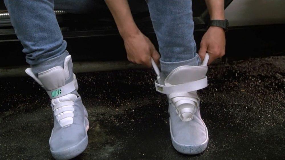 Direttamente da Ritorno al Futuro, la Nike presenta lo spot di HyperAdapt 1.0, le scarpe che si allacciano da sole