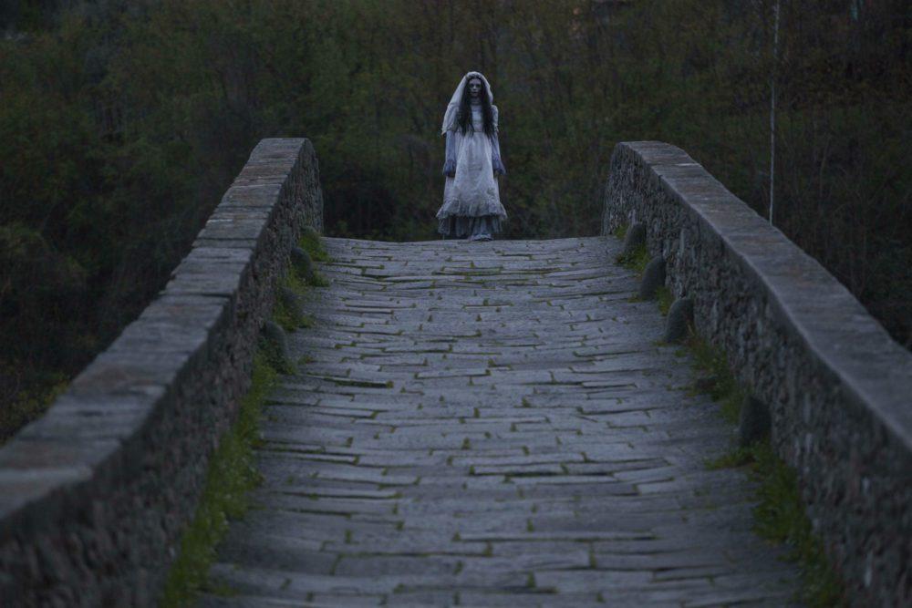 Dal Lucca Film Festival le inquietanti foto della Llorona apparsa in città