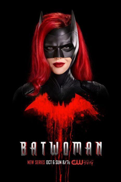 Un primo piano da urlo per il nuovo poster di Batwoman