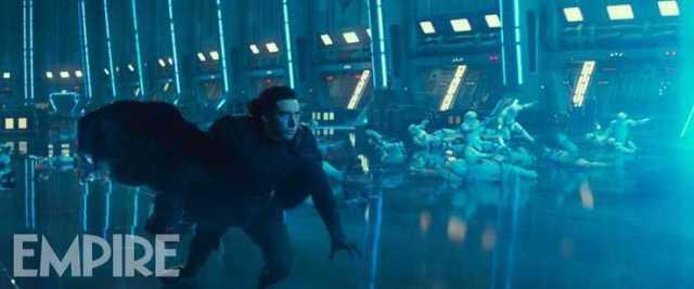 Una forza contro Kylo Ren nella foto di Star Wars: L'ascesa di Skywalker