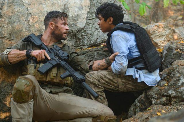 Chris Hemsworth nei primi scatti ufficiali di Tyler Rake, thriller Netflix
