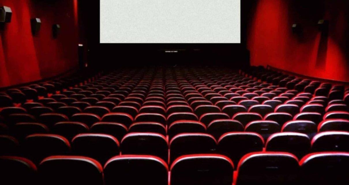 Cinema ancora chiusi