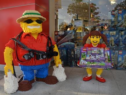 5 BIG Reasons To Shop At LEGOLAND