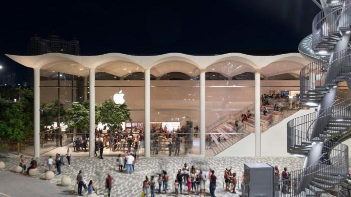 apple Miami retail store