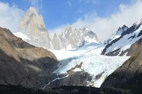 جبل سيرو توري من اجمل جبال العالم