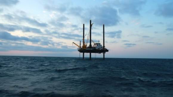 The drilling rig off the coast of the Yucatan. The rig was there in the Spring of 2016 obtaining samples from the seafloor. Image: BBC/Barcroft Productions.