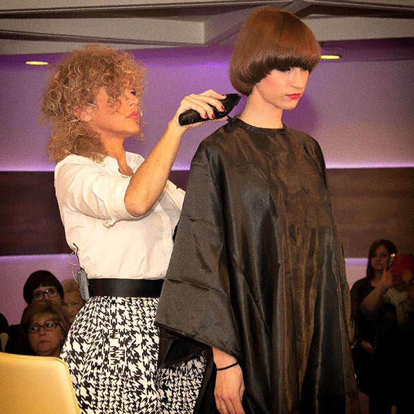 tecnica-corte-maquina-curso-peluqueria-universidad-de-la-imagen
