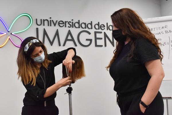 Curso-iniciacion-formacion-peluqueria-universidad-de-la-imagen-3
