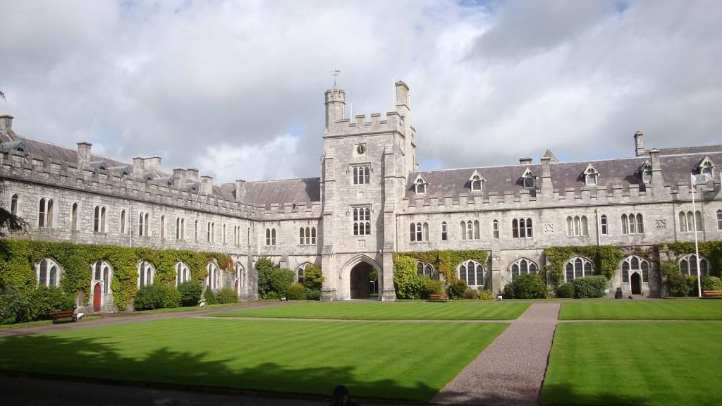 ucc-bolsas-de-estudo-na-irlanda
