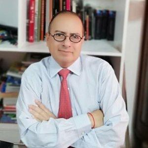 Dr. Ernesto Villanueva