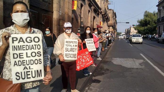 Protestas de trabajadores sindicalizados del SUEUM: los trabajadores de a pie...