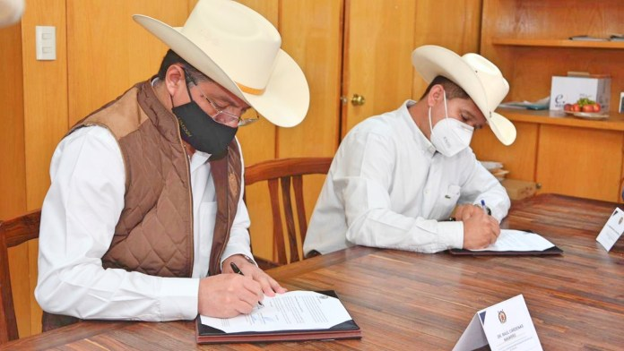 Firman convenio de colaboración la UGRM y la UMSNH en beneficio de productores y estudiantes