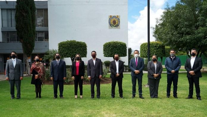 Autoridades de las preparatorias dependientes de la UMSNH, acompañaron al Rector Cárdenas Navarro en la inauguración del ciclo escolar 2021. -2022