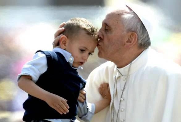 Un bambino e il papa 6