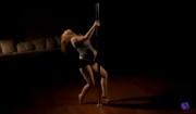 donna incinta che balla