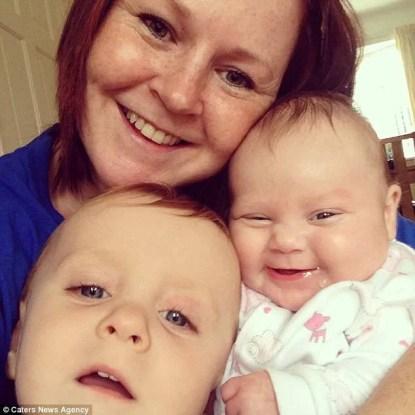 mamma con due bimbi