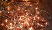 palle-di-natale-di-filo-con-luci
