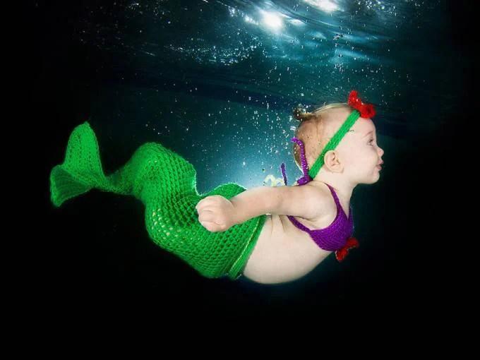 bimba costume sirena nuota