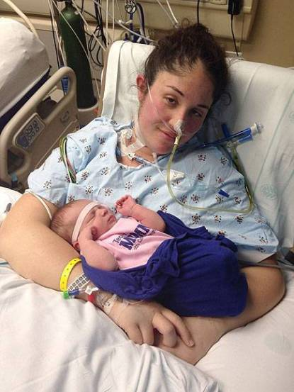 neonata salva la mamma