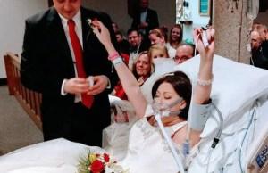 si sposa felice in ospedale