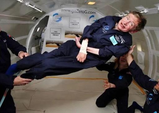 Stephen Hawking è morto