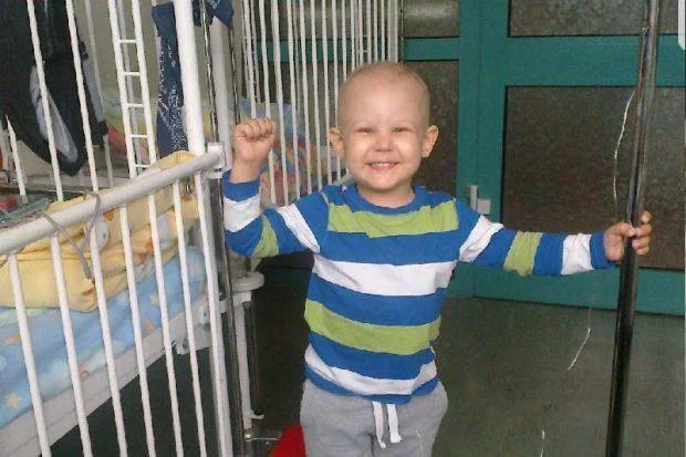 bambino col cancro guarisce