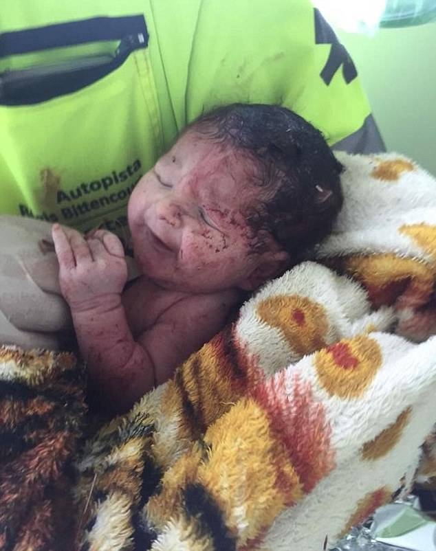 neonata salva dopo un incidente