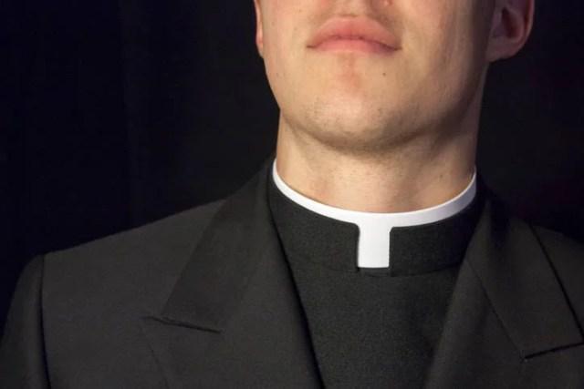 prete pedofilo ucciso